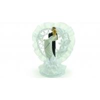 Couple de mariés en porcelaine avec couronne en forme de cœur